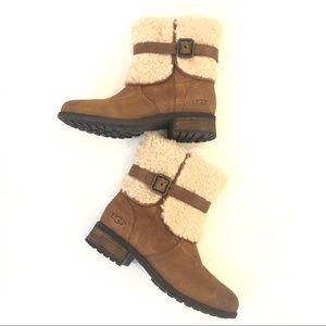Women's 8 UGG Blayre Chestnut sheepskin boots EUC